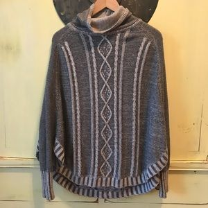 Anthropologie poncho type top, XS by Yoon